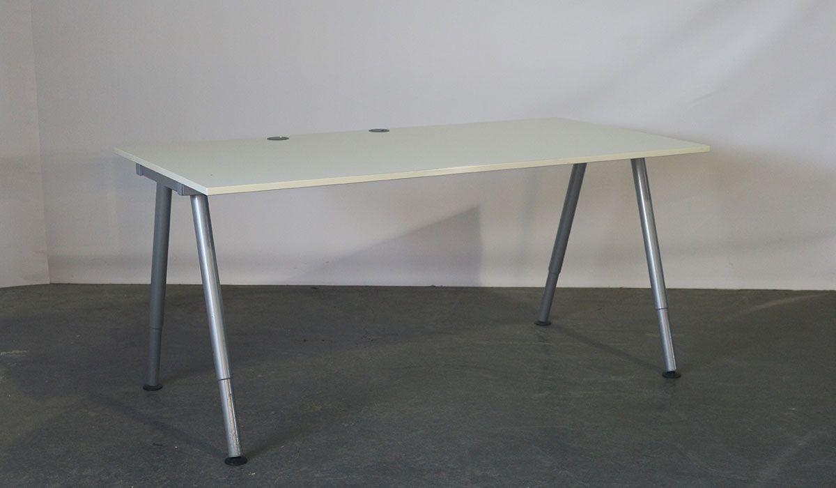 Galant Ikea Hoekbureau.Ikea Tweedehands Bureau Instelbaar 160 X 80 Cm Grijs Wit
